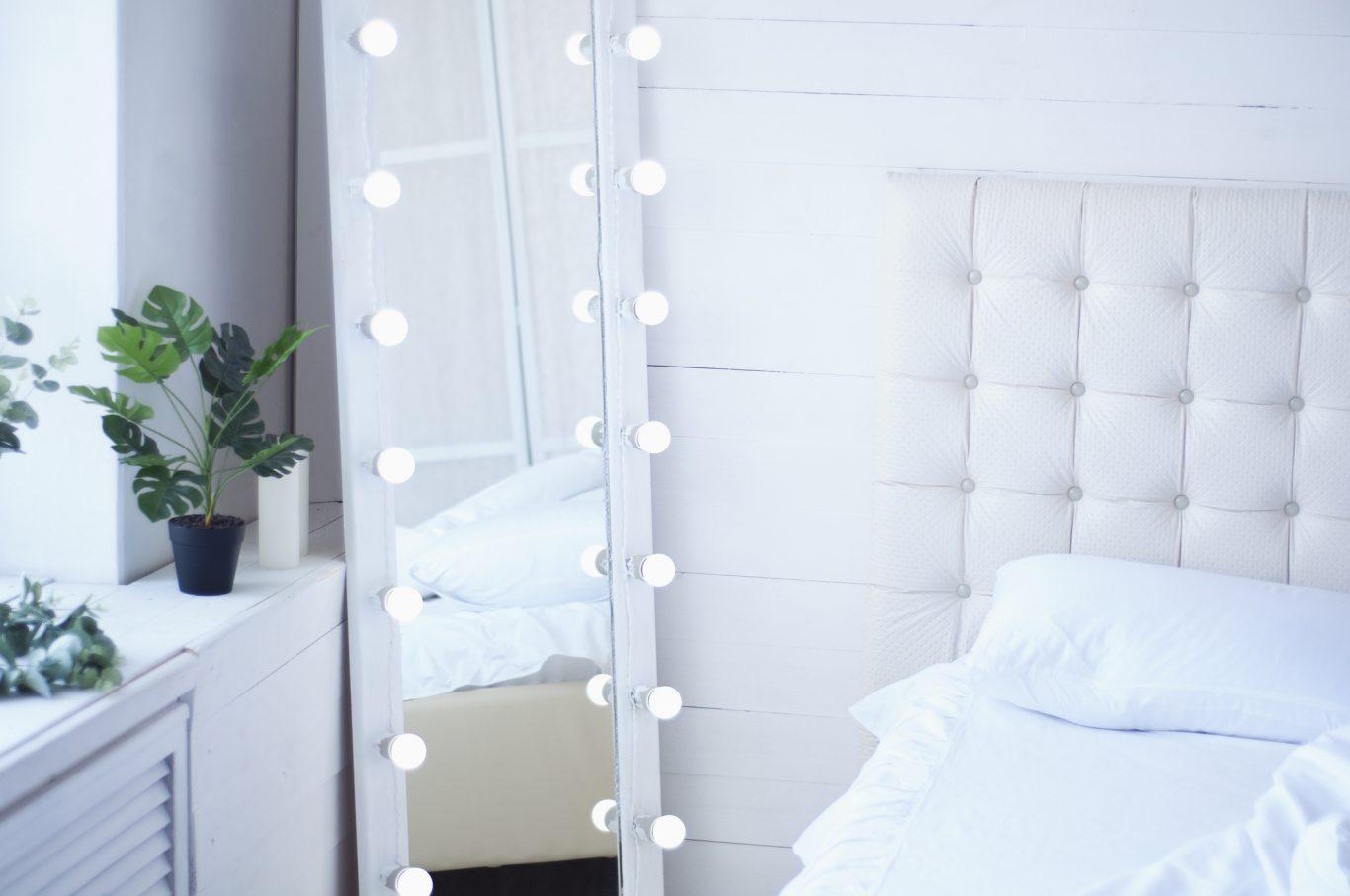 Habitación con espejo