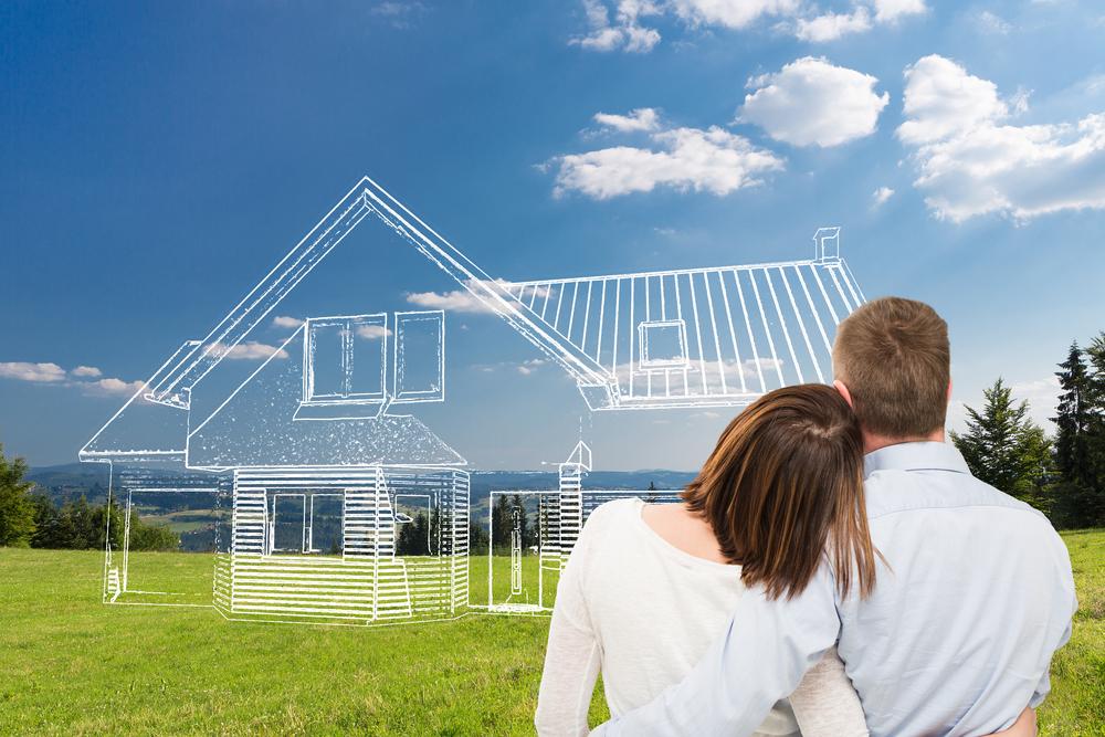 pareja imaginando la casa de sus sueños
