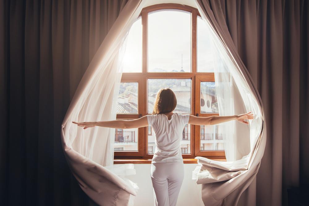luz natural en tu hogar para mejorar la energía