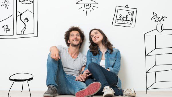 pareja pensando en comprar vivienda
