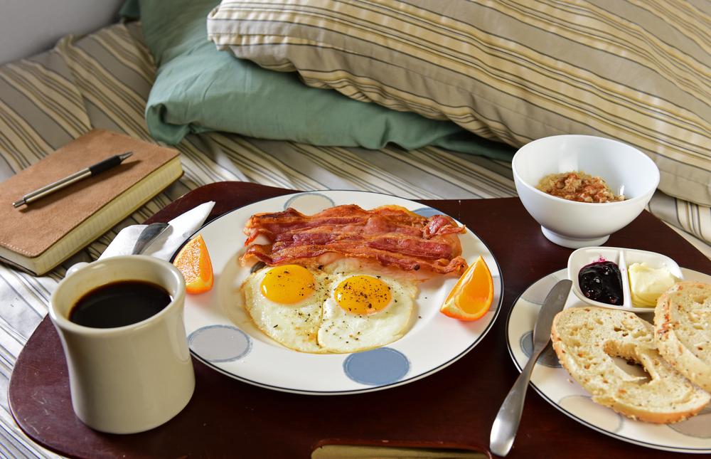 desayuno-en-la-cama-el-dia-del-hombre
