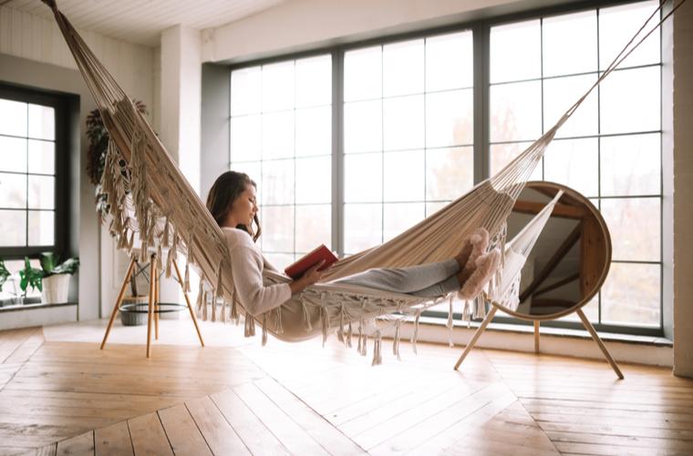 hamaca en espacio de relajación en casa