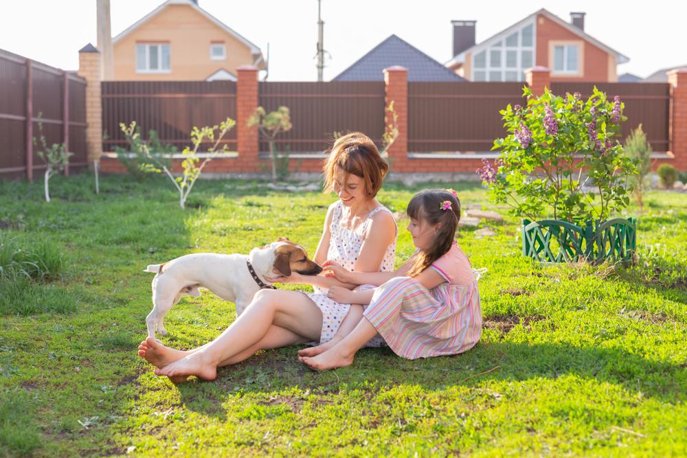 familia en casa campestre