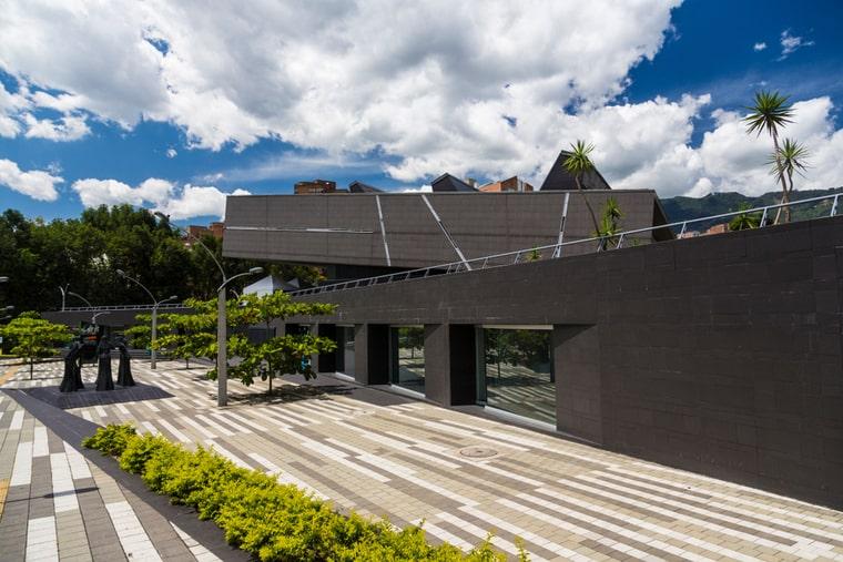 Biblioteca Pública y Parque Cultural Débora Arango
