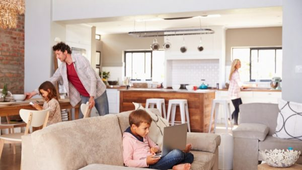 familia-consumiendo-energia
